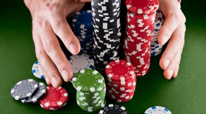 gambling club poker play